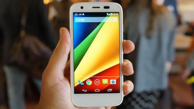 Smartphone giá rẻ đáng mua năm 2014 của Motorola sở hữu cấu hình mạnh và thời lượng pin đáng mơ ước