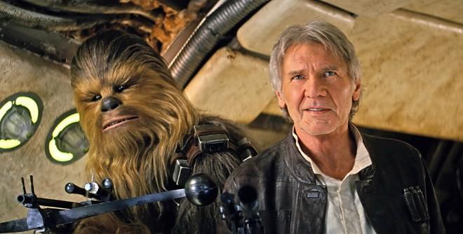 Lần đầu khán giả gặp lại Han Solo và Chewbacca trong Star Wars 7 sau hơn 30 năm