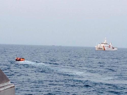 Đang nỗ lực tìm kiếm phi công và hai máy bay Su 22 rơi tại Bình Thuận