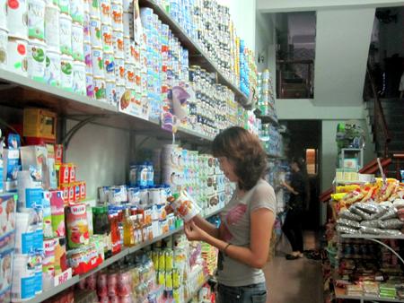Giá sữa bột vẫn cao khi cơ quan quản lý thanh kiểm tra