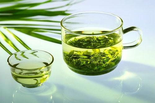 Mỗi ngày thai phụ nên uống 2 – 3 tách trà được pha từ 3 – 5g lá chè xanh