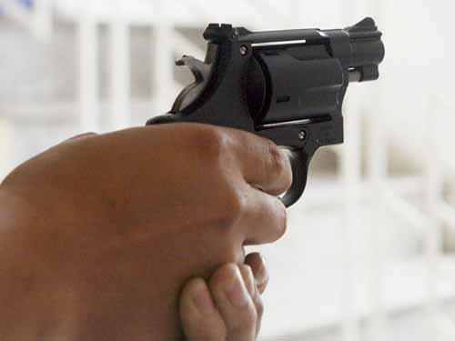 Một học sinh lớp 5 tử vong vì nghịch súng bắn đạn cao su