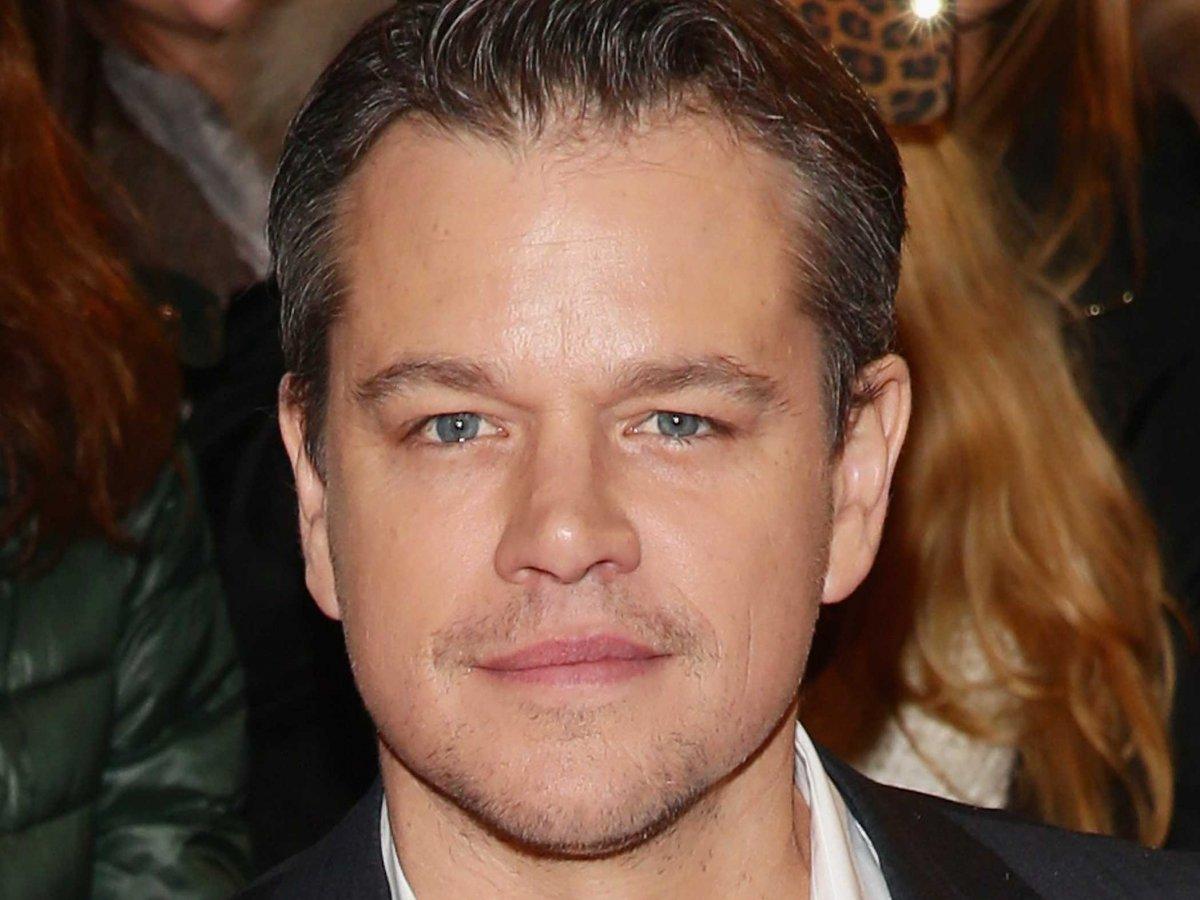 Matt Damon sau khi bỏ học Harvard đã theo sự nghiệp diễn viên