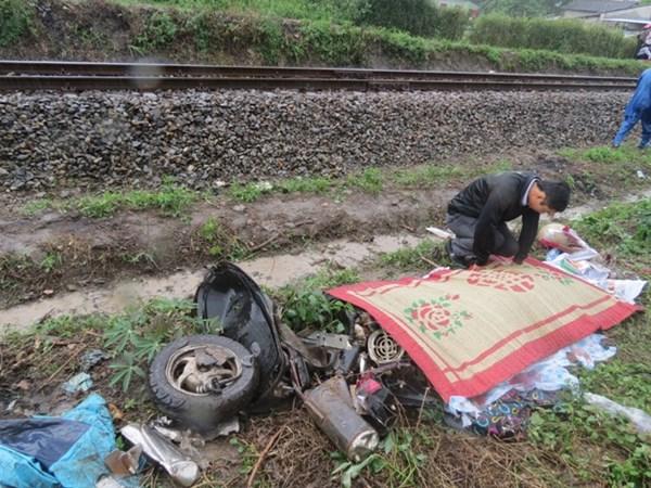 Tai nạn đường sắt kinh hoàng khiến 2 phụ nữ tử vong