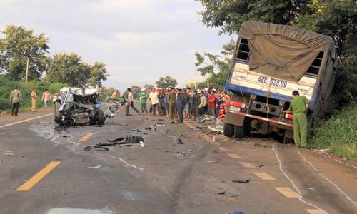 Cơ quan chức năng đang khẩn trương làm rõ nguyên nhân vụ tai nạn giao thông khiến 2 CSGT thương vong