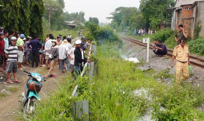 Đã có nhiều vụ tai nạn chết người bắt nguồn từ việc người dân lao vào tàu hỏa để tự sát