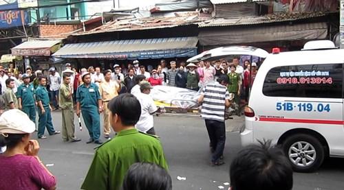 Hiện trường tai nạn giao thông khiến người phụ nữ chết thảm giữa phố