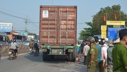 Hiện trường vụ tai nạn giao thông thảm khốc trên QL22, huyện Củ Chi, TP.HCM