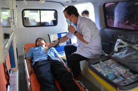 Người nhà ông Chung cho rằng chính vụ tai nạn hy hữu xe cấp cứu chết máy là nguyên nhân dẫn đến cái chết của bệnh nhân