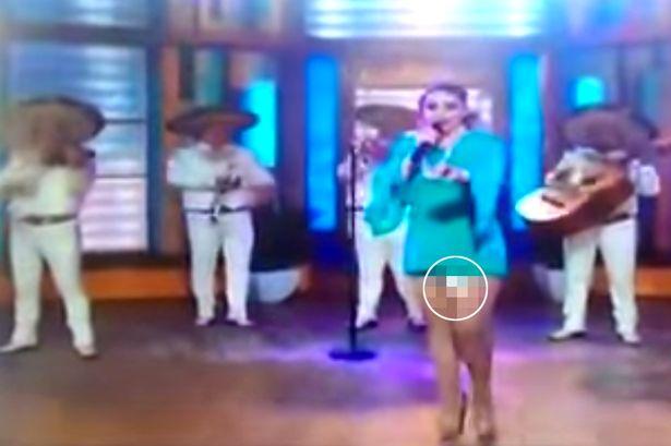 Vụ tai nạn hy hữu khiến nữ ca sĩ Patricia Navidad bị cư dân mạng nhạo báng và chỉ trích