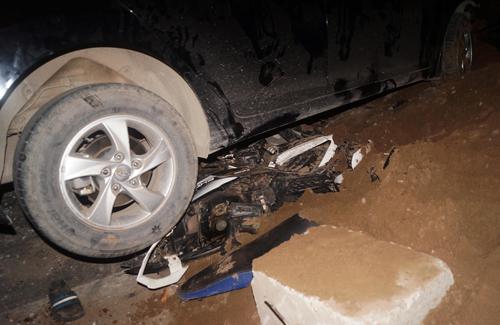 Hiện trường vụ tai nạn giao thông xảy ra tối ngày 25/4