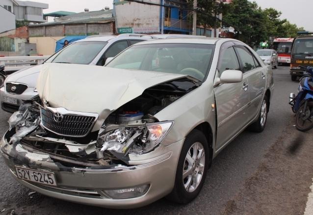 Tai nạn giao thông nghiêm trọng làm chết người diễn ra khắp nơi trên toàn quốc