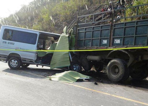Tai nạn trên đường mòn Hồ Chí Minh làm 8 người tử vong