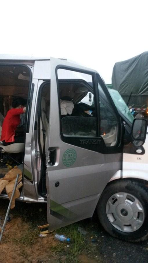 Tai nạn nghiêm trọng trên cao tốc Lào Cai