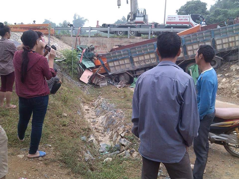 Tai nạn trên cao tốc Nội Bài - Lào Cai