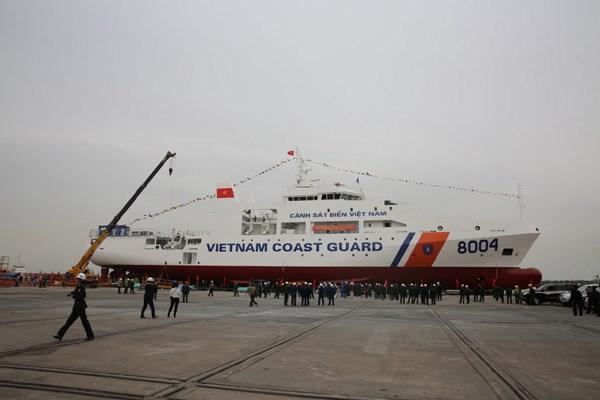 Tàu cảnh sát biển 8004 là tàu đa năng thứ 3 được đóng cho Lực lượng Cảnh sát biển Việt Nam
