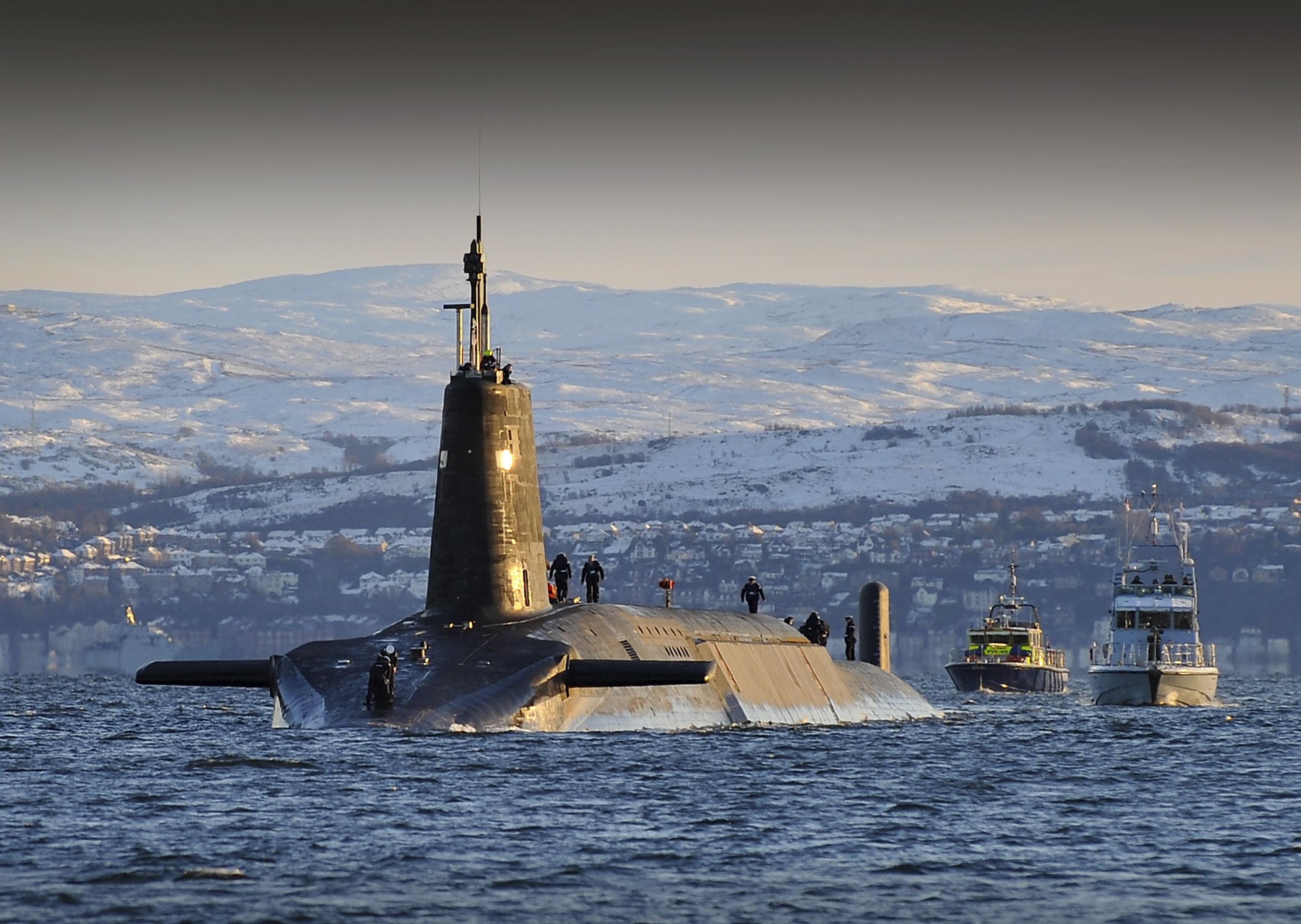 May mắn vụ tai nạn hy hữu không gây tổn hại đến tàu ngầm hạt nhân và tàu cá