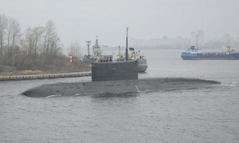 Tàu ngầm HQ 184 Hải Phòng ở cảng St. Petersburg hồi tháng 11/2014