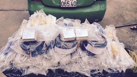 Số tang vật tìm thấy trên taxi Mai Linh