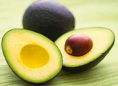 Bơ là quả giàu chất <a target='_blank' href='https://www.phunuvagiadinh.vn/dinh-duong-2'>dinh dưỡng,</a>  hỗ trợ cho hệ tiêu hóa