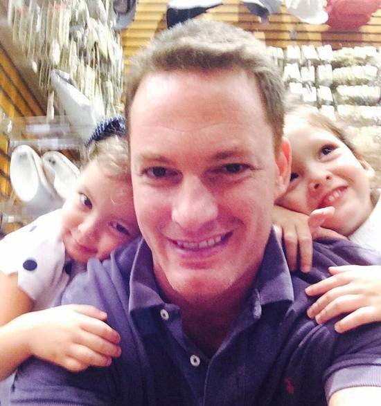 Càng lớn, hai bé Tôm và Tép càng đáng yêu với gương mặt lai Tây hồn nhiên, xinh xắn.