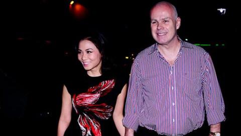 Dù không tổ chức đám cưới rình rang, chỉ thông báo và ra mắt với báo giới nhưng Thu Minh lại có một người chồng Tây tuyệt vời
