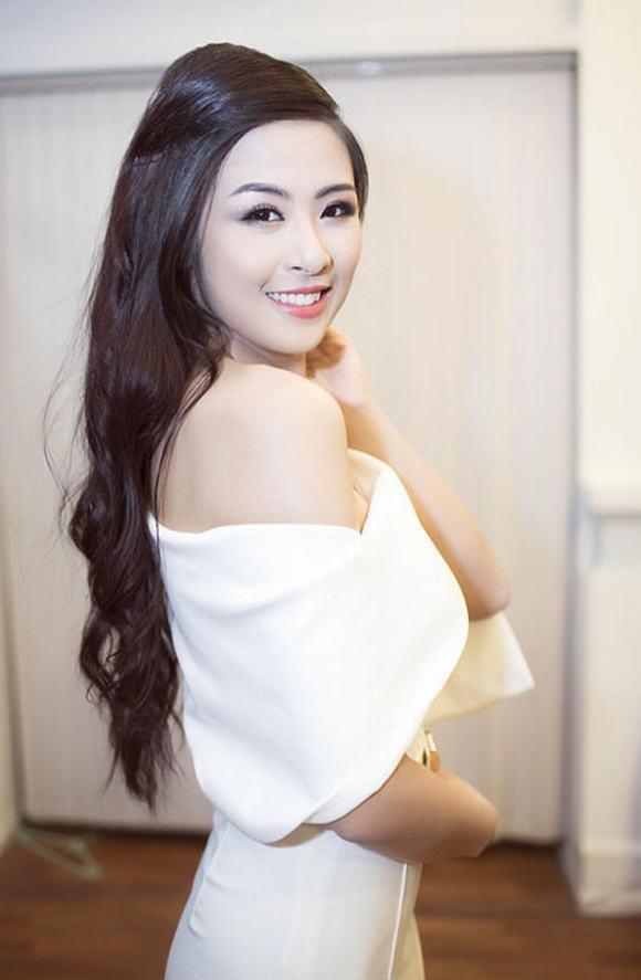 Hình ảnh Ngọc Hân khác nhiều so với chính cô sáu năm trước. Đăng quang Hoa hậu Việt Nam trong đêm chung kết diễn ra tại Tuần Châu, Quảng Ninh tháng 8/2010, Ngọc Hân chưa lập tức chiếm được tình cảm của số đông.