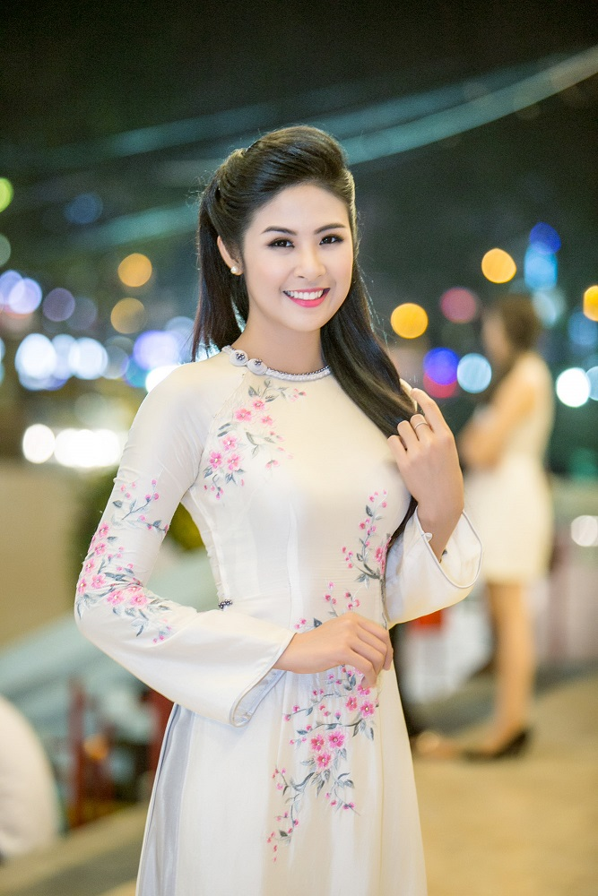 Ngọc Hân là hoa hậu hiếm hoi nói không với scandal. Ngoài vụ việc không xuất hiện tại một sự kiện trong Đại lễ Nghìn năm Thăng Long ngay sau khi đăng quang với lý do ''tắc đường'' khiến nhiều người chỉ trích, Hoa hậu Việt Nam 2010 gần như không vướng thêm bất cứ điều tiếng nào.