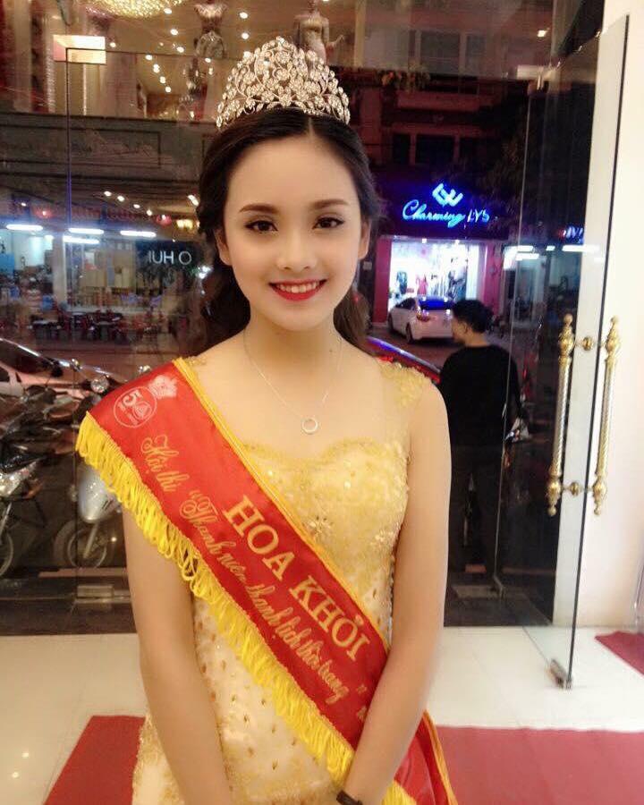 Hiện nay, sinh viên trường Kinh tế đang vô cùng háo hức và hi vọng Tố Như có thể mang vinh quang về cho nhà trường.
