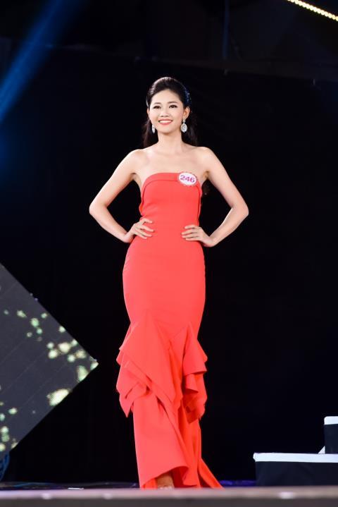 Việc lần đầu tiên tham dự một cuộc thi sắc đẹp càng là lợi thế cho Thanh Tú vì tiêu chí này luôn được ưa chuộng tại Hoa hậu Việt Nam.