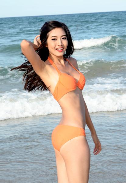 Trở thành Người đẹp biển cuộc thi Hoa hậu VN 2012, Ninh Hoàng Ngân sau đó khá kín tiếng. Cô không xuất hiện quá nhiều trên truyền thông cũng như ở các sự kiện.