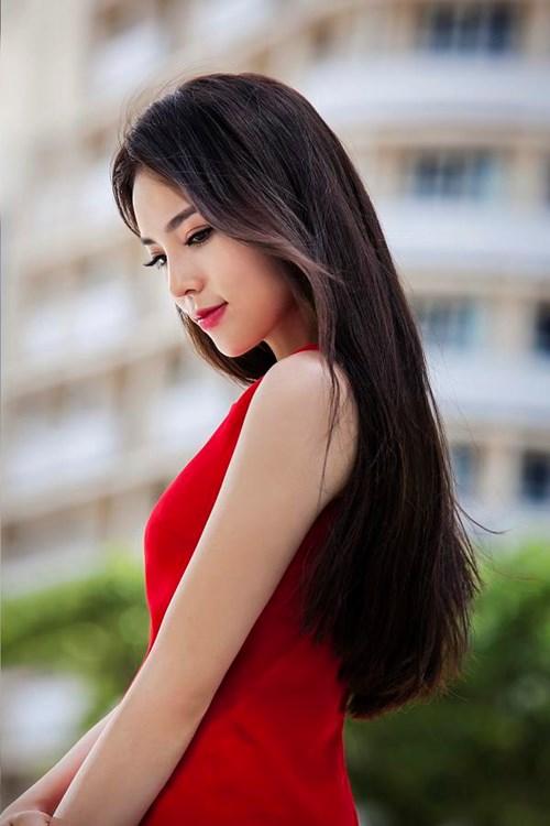 Nguyễn Cao Kỳ Duyên (sinh năm 1996 tại Nam Định) là hoa hậu Việt Nam năm 2014.