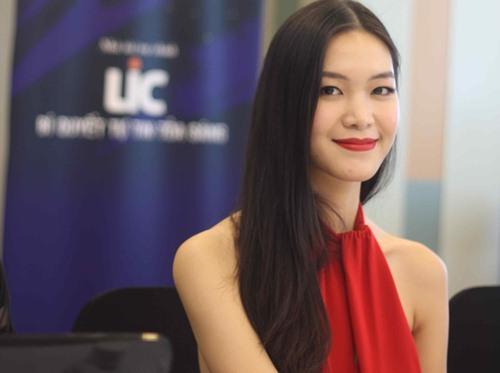Nhưng sự cố gắng sửa sai của Thùy Dung vẫn không thể thuyết phục được những cái nhìn thiếu thiện cảm khi môn văn tốt nghiệp cô chỉ đạt có 3 điểm.