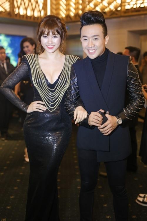 Hari Won lại khác với Trấn Thành, cô theo học chuyên ngành Việt Nam học và còn học thêm về Kinh tế và Luật