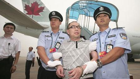Lai Changting bị truy nã vì tội tham nhũng Trung Quốc bao gồm buôn lậu, hối lộ, bị dẫn độ từ Canada về Bắc Kinh