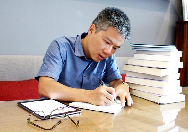 GS Ngô Bảo Châu: 'Sách ở bên tôi trong những biến cố cuộc đời'  - ảnh 1