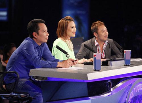 Ban giám khảo chương trình (từ trái sang): Anh Quân, Mỹ Tâm, Quang Dũng.