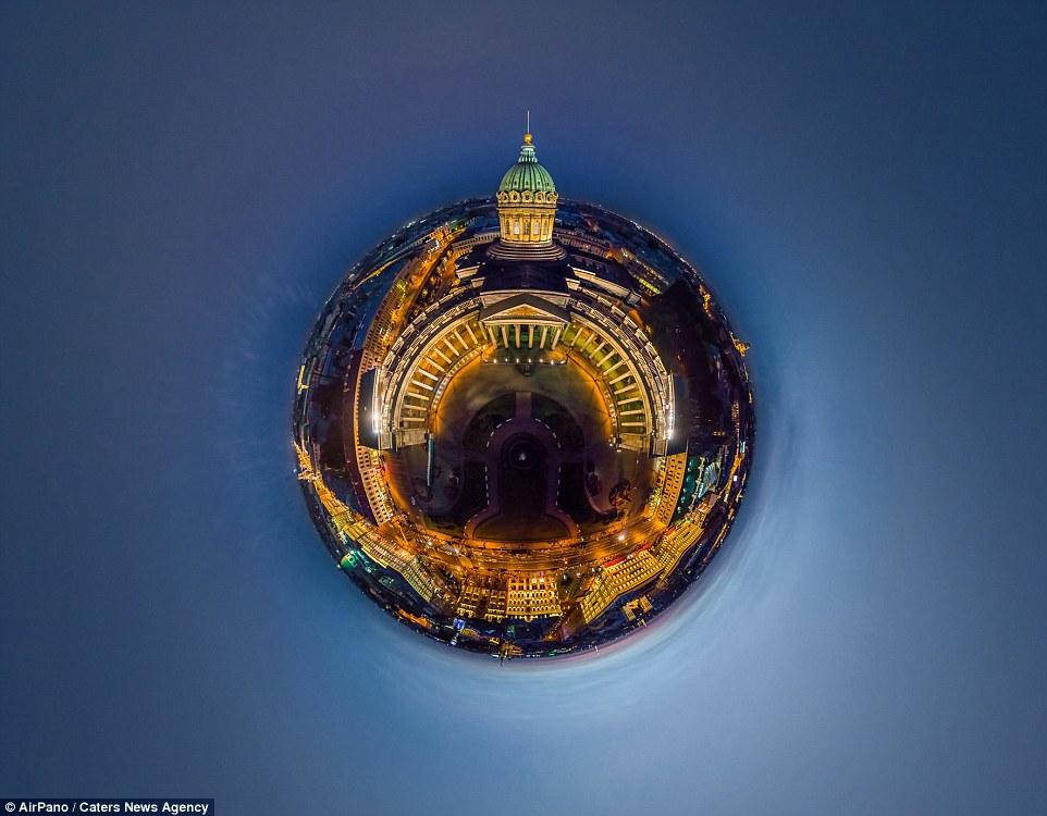 """Thành phố St. Petersburg, cố đô phương Bắc của Nga, đã được World Travel Awards trao giải thưởng """"điểm du lịch hàng đầu ở Châu Âu"""".  Để có được giải thưởng này, tổ chức World Travel Awards đã kêu gọi phiếu bình chọn từ hàng triệu du khách và những người làm trong ngành du lịch. Với những cung điện lộng lẫy, nhà thờ độc đáo và lịch sử phong phú... St. Petersburg trở thành một điểm đến vô cùng lý tưởng cho du khách."""