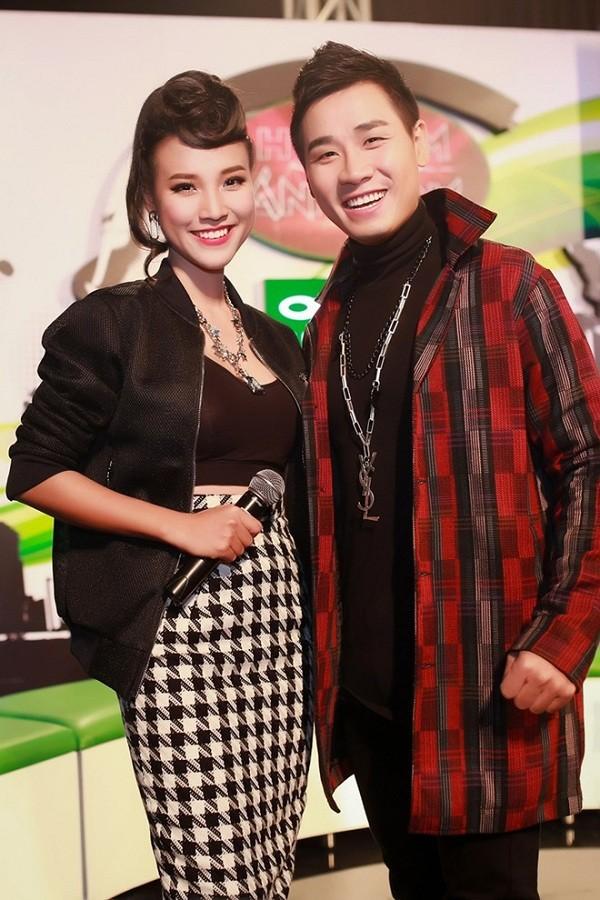 Cặp đôi MC của chương trình The Remix 2015 mắc lỗi không đáng có