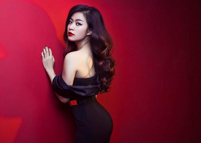 Hoàng Thùy Linh bất ngờ bị gạch tên khỏi The Remix 2015 gây phản ứng gay gắt trong cộng đồng mạng