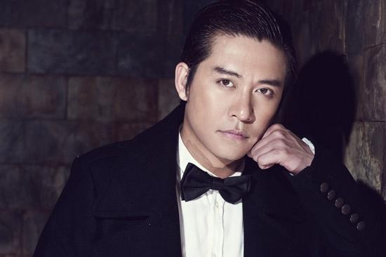 Hiện tại, Tuấn Hưng là một trong những nam ca sỹ lịch lãm nhất Showbiz Việt