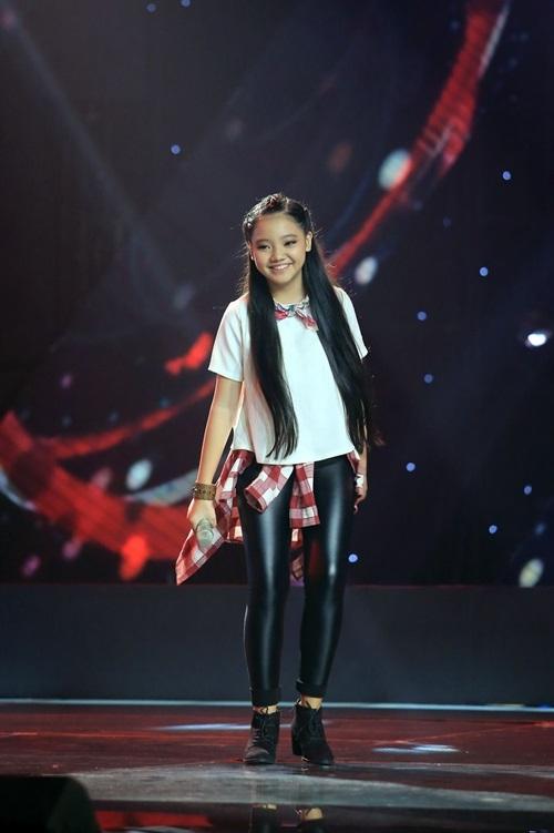 Thí sinh Nguyễn Mẫn Nhi khuấy động sân khấu với ca khúc