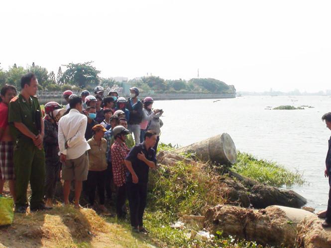 Một thi thể trôi dạt trên sông Đồng Nai, cách cầu Ghềnh 500 m