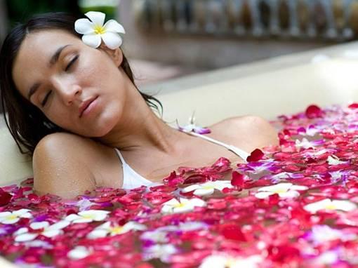 Tắm quá lâu cũng là một thói quen có hại cho sức khỏe đặc biệt là vùng kín