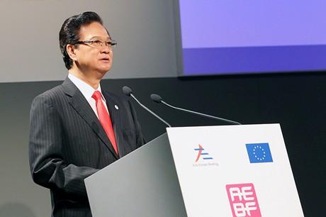 """Thủ tướng Chính phủ Nguyễn Tấn Dũng đã tới tham dự phiên họp về """"Tăng cường đối thoại và hợp tác Á – Âu và tương lai ASEM""""."""