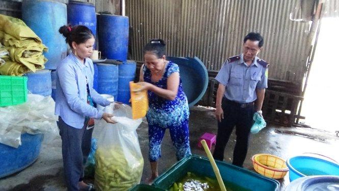 Lượng lớn thực phẩm bẩn bị phát hiện tại cơ sở sản xuất măng tươi