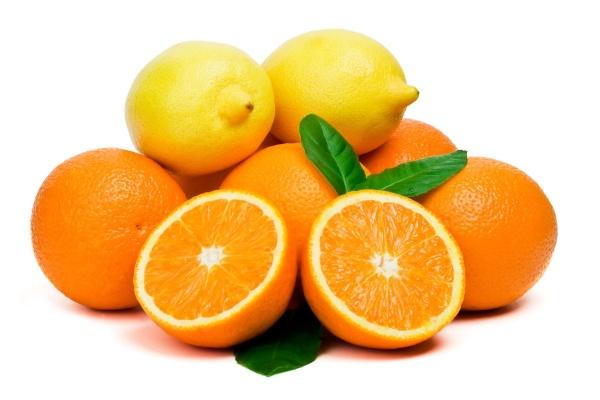Những thực phẩm kỵ sữa như cam, chanh ...có thể gây hại cho sức khỏe của trẻ