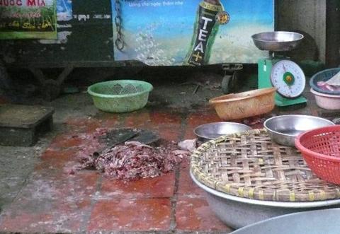 Thức ăn sẵn siêu bẩn bán tại nhiều chợ