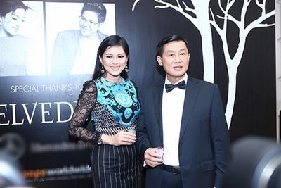 """May mắn hơn nhiều bạn diễn cùng trang lứa như Diễm Hương, Việt Trinh, nữ diễn viên """"Vị đắng tình yêu"""" Lê Hồng Thủy Tiên có một người chồng doanh nhân thành đạt, và sở hữu một cuộc sống đầy màu hồng."""