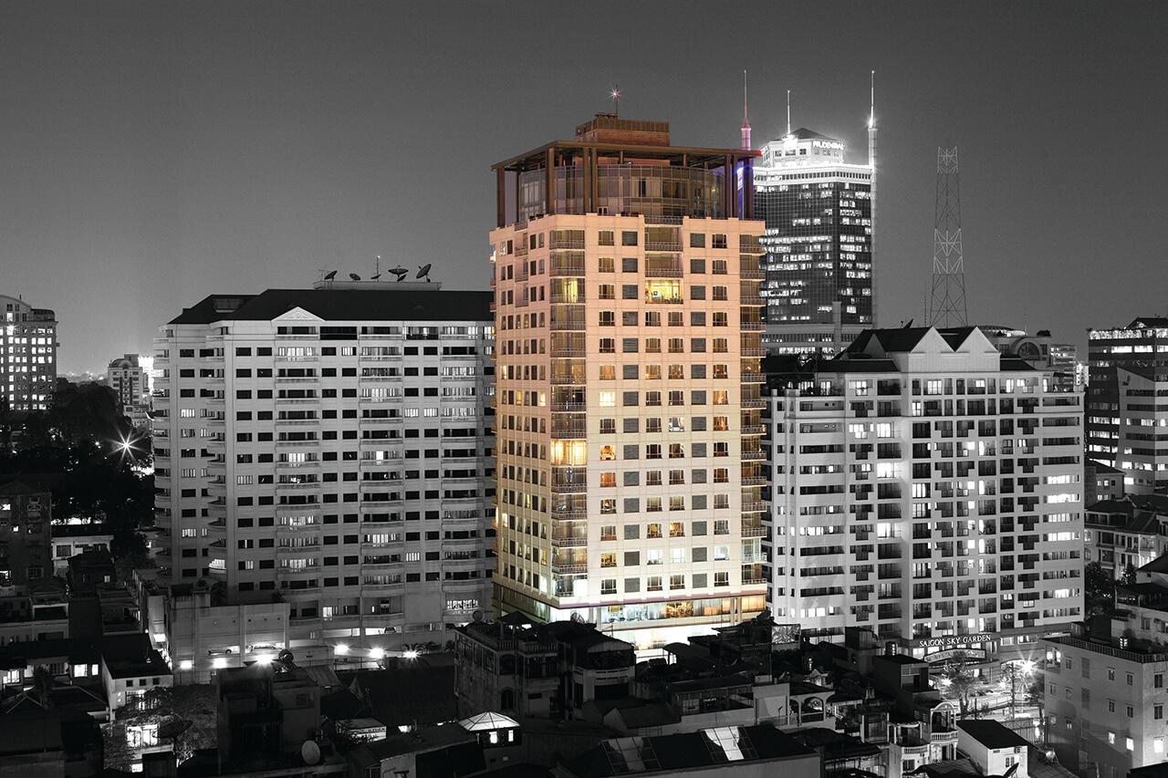 Tòa nhà Lancaster Lê Thánh Tôn (TP.HCM) với 109 căn hộ, từ loại studios đến penthouses